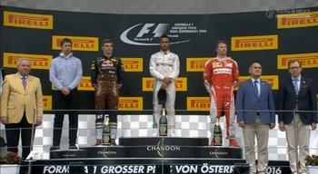 2016_aut_r_podium.jpg