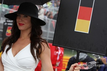 can_gridgirl06.jpg